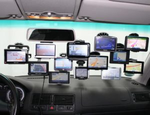 W jakich sytuacjach sprawdza się nawigacja samochodowa? Opinie zawodowych kierowców